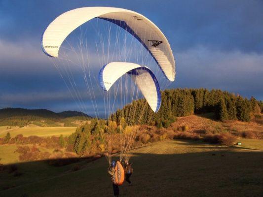 109-paragliding.jpg