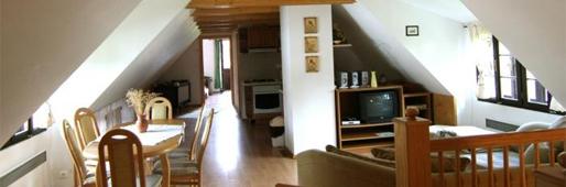 Drevenica Brundzovce, Čičmany - ubytovanie, horný apartmán